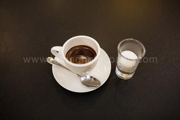 Cách pha cafe espresso nóng
