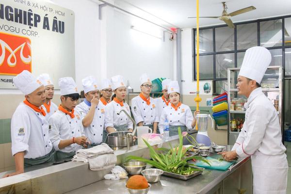 Lớp học Bếp nóng mô phỏng không gian bếp