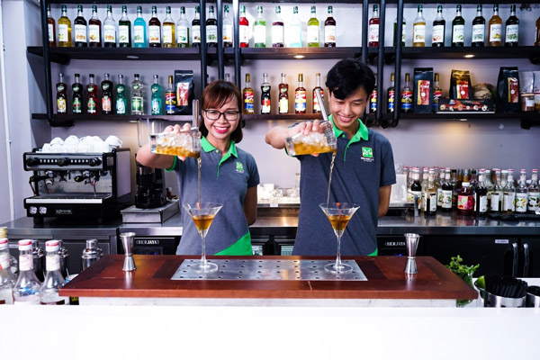 nghề Bartender