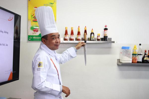 cung cấp kiến thức về dao Nhật