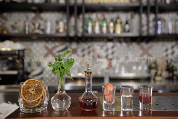 Nguyên liệu pha chế cocktail Basil Berry Margarita