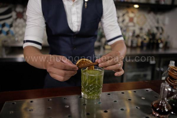 Trang trí cocktail hấp dẫn