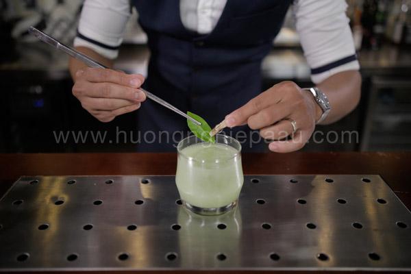 Trang trí màu sắc cho ly cocktail