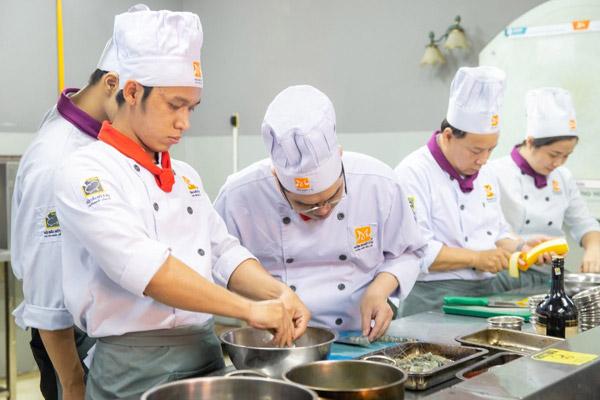 Học viên được trang bị nhiều kỹ năng nghề bếp