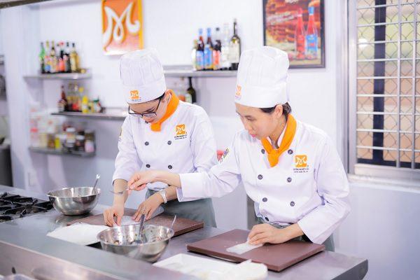 Nghề bếp đem lại cơ hội việc làm hấp dẫn