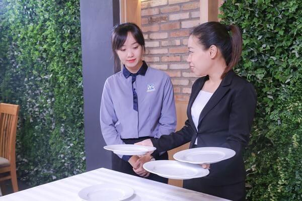 Quản trị nhà hàng – khách sạn thích hợp cho nữ