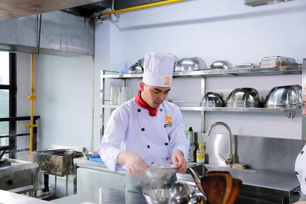 Trần Minh Long