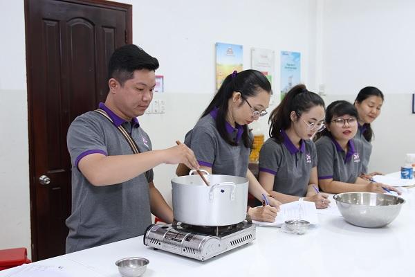 khóa dạy làm kem