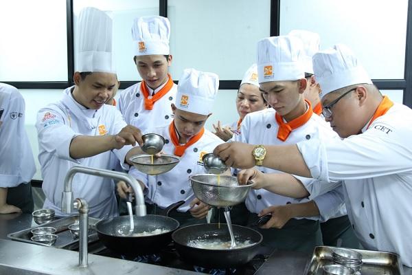 học viên khóa học nấu súp